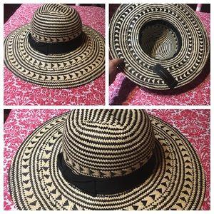 BCBGMaxAzria Summer Straw Hat Size Small